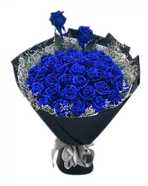33 Blue Roses