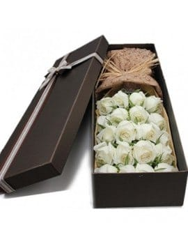 19 White Roses in Luxury Box